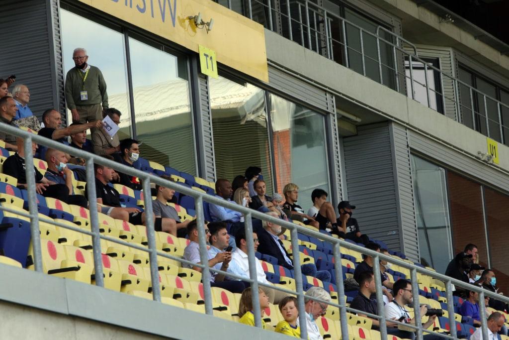 Yuma Suzuki in tribune